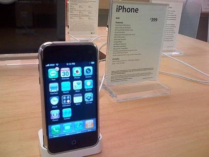 Jailbroken iPhone in Apple Store