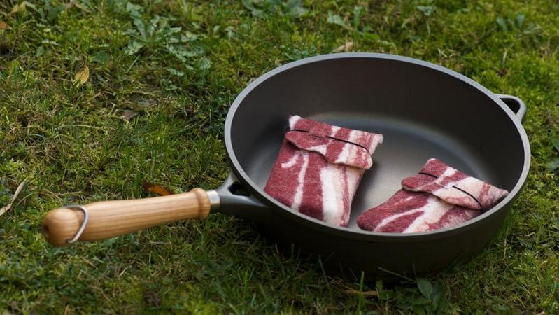 iphone-bacon-case