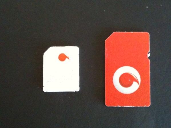 Micro-simkaart naast een normale simkaart