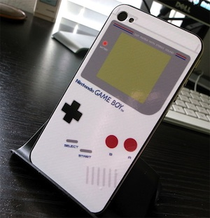 iPhone-4-Game-Boy