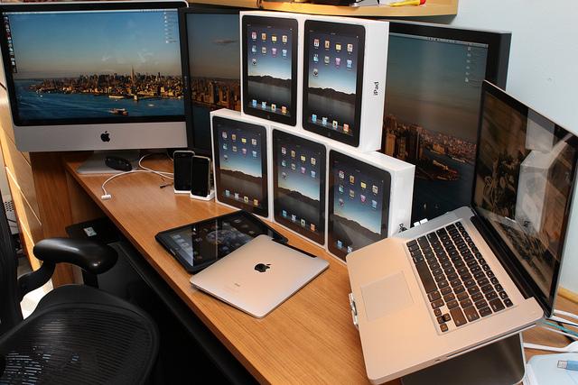 Macs & iPads