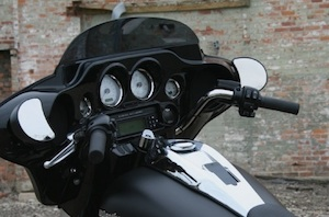 iphone dock harley