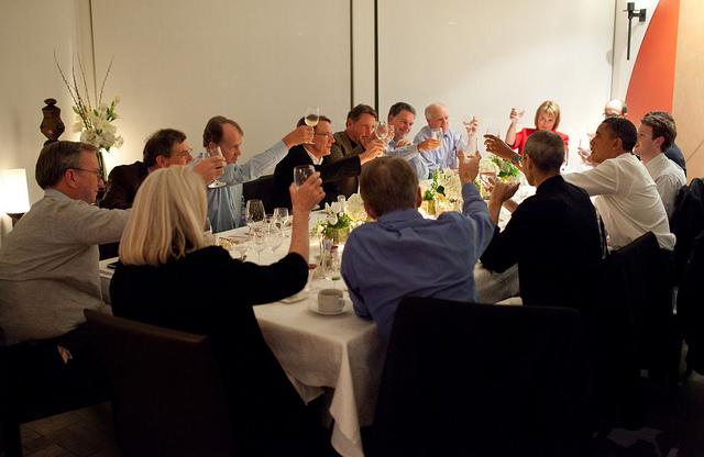 Obama dineert met CEO's uit de technologiesector