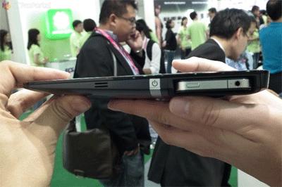 ECS-tablet-gebruikt-de-iPhone-4