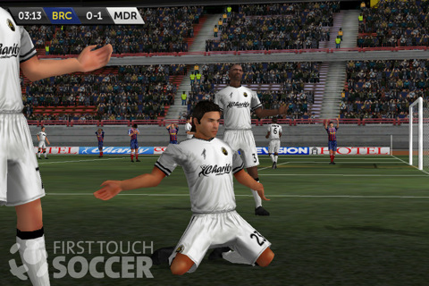 First Touch Soccer voor iPhone en iPod touch