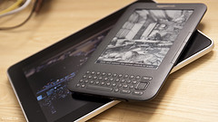 Apple iPad versus Amazon Kindle