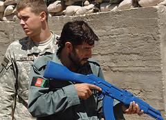 Afghanistan met Triplingo Dari