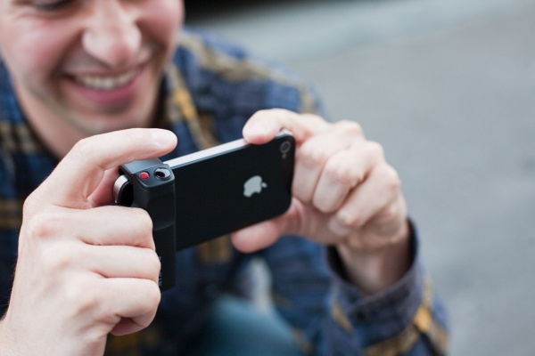 Shutter Grip iPhone Photojojo