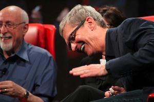 tim cook lachend