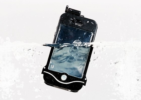 underwater-iphone-case