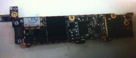 iphone_2012_logic_board_no_shield_back