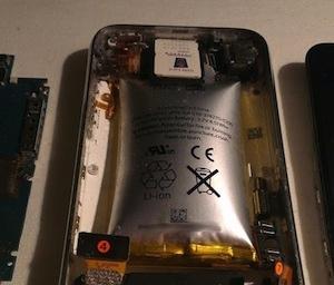Opgezwollen iPhone accu detail