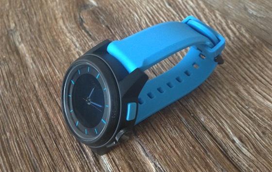 cookoo blauw horloge