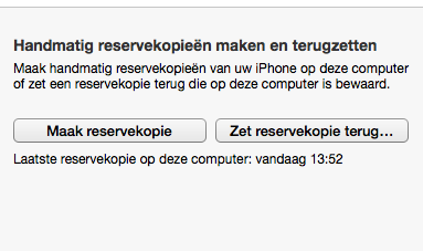 Handmatig een back-up maken in iTunes.