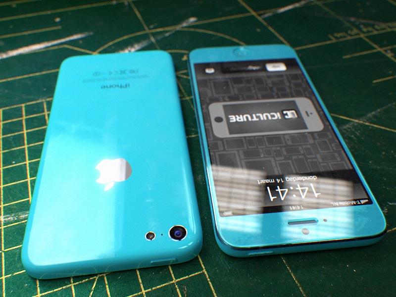 4,5-inch budget iPhone bovenkant en onderkant