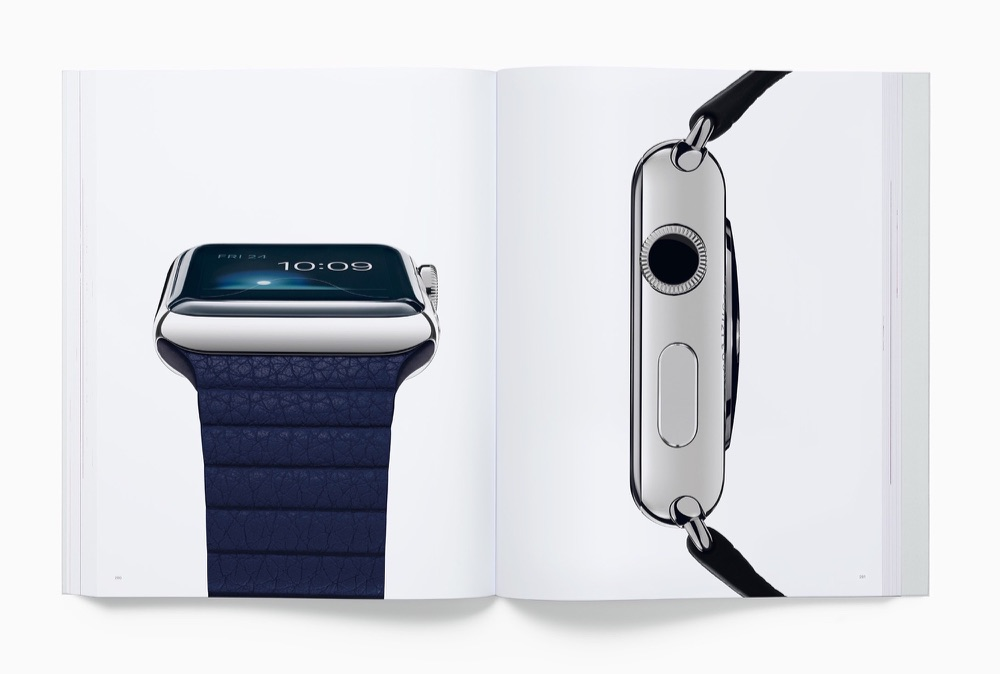 Apple Watch in Designed by Apple in California-boek.