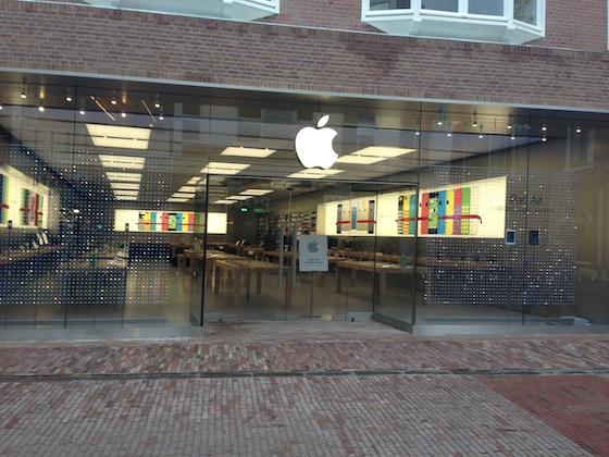 Apple Store Haarlem voorkant overdag