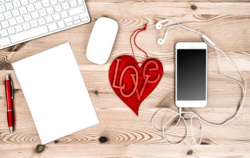Romantische Apple-spullen met hartje, foto via Shutterstock (shutterstock_245275927).