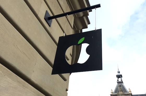 Apple Store Earth Day Amsterdam