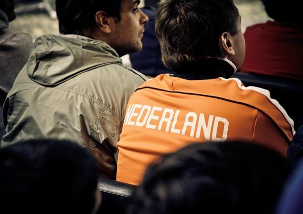 Voetbal kijken in cafes kroegen iPhone app