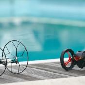 parrot-minidrones-zwembad