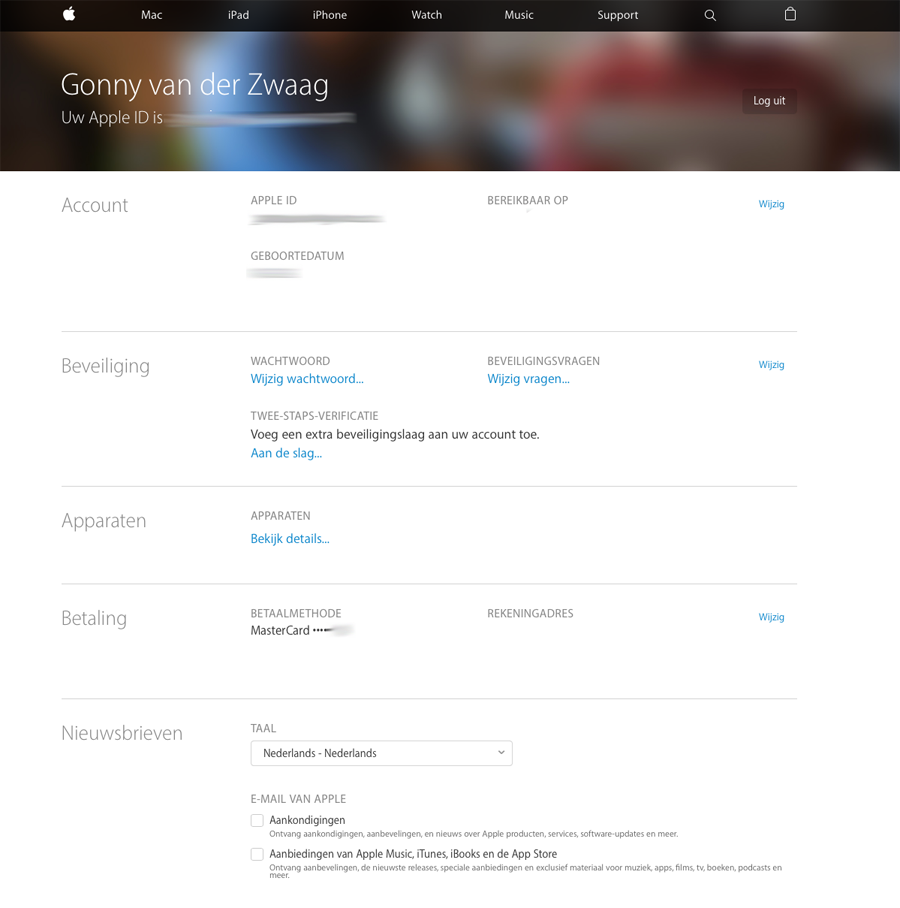 Apple ID-website voor het beheren van je wachtwoord en vertrouwde apparaten.