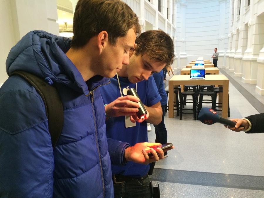 Apple Store Den Haag eerste koper iPhone