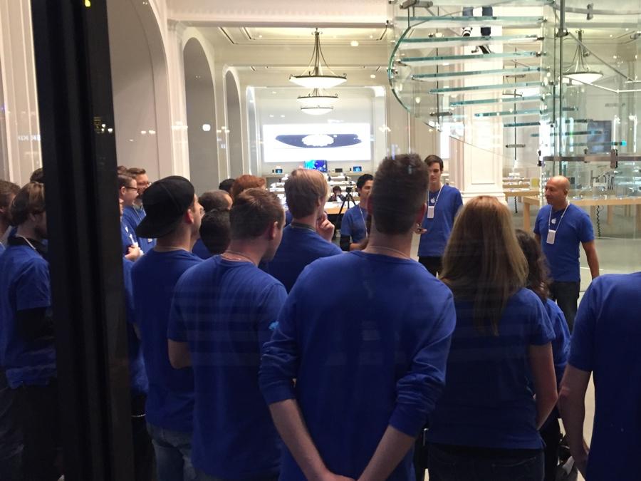Apple Store Amsterdam personeel 7.23 uur