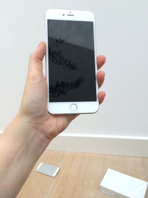 iphone-6-plus-in-hand