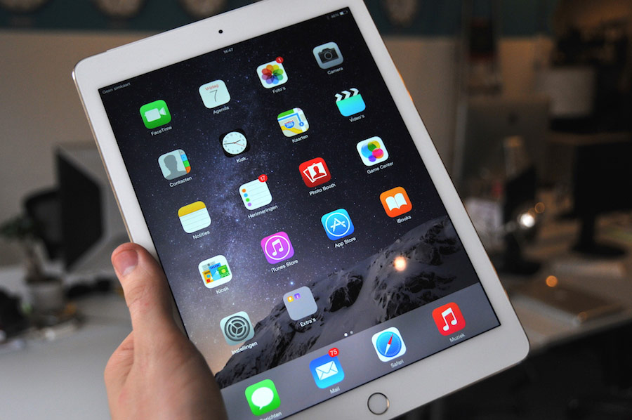 iPad Air 2 review hand