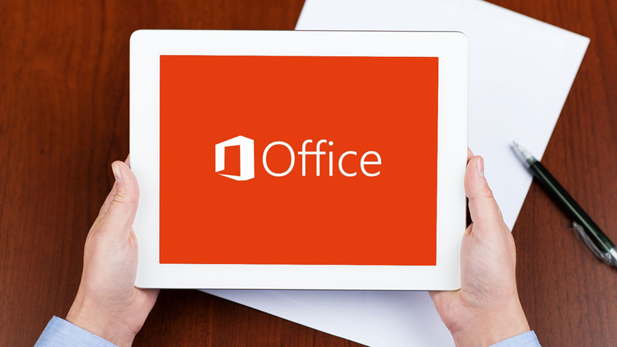office-ipad-microsoft-handen