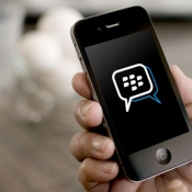 bbm-iphone-hand
