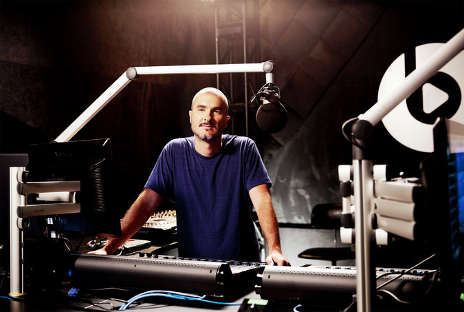 Zane-Lowe-and-Beats-1