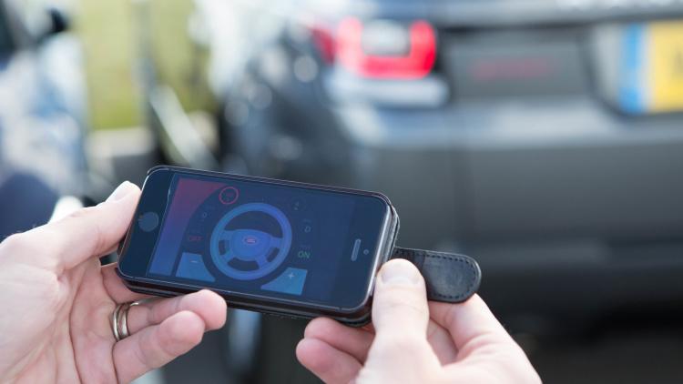 range-rover-sport-iphone-app