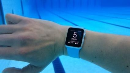 apple-watch-zwembad