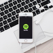 'Spotify gaat gratis aanbod beperken'