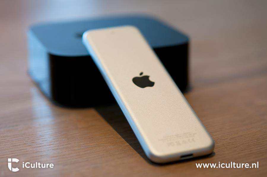 Apple TV 4 achterkant van de remote.