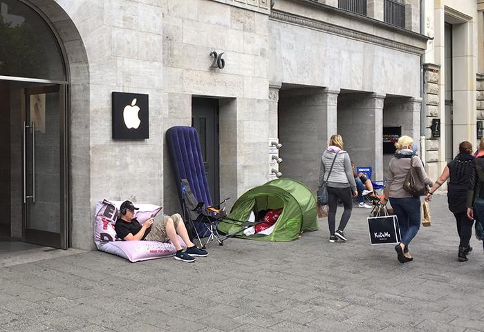 Rij bij Apple Store Berlijn voor iPhone 6s