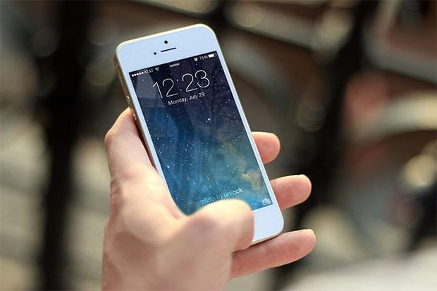 iphone hand