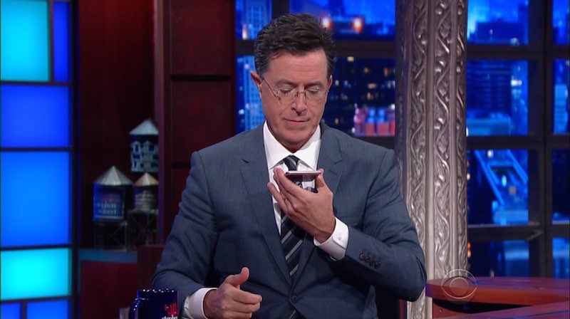 Stephen Colbert met iPhone 6s.