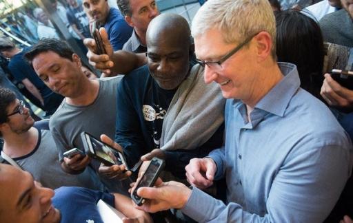 Tim Cook bezoekt Apple Store New York.