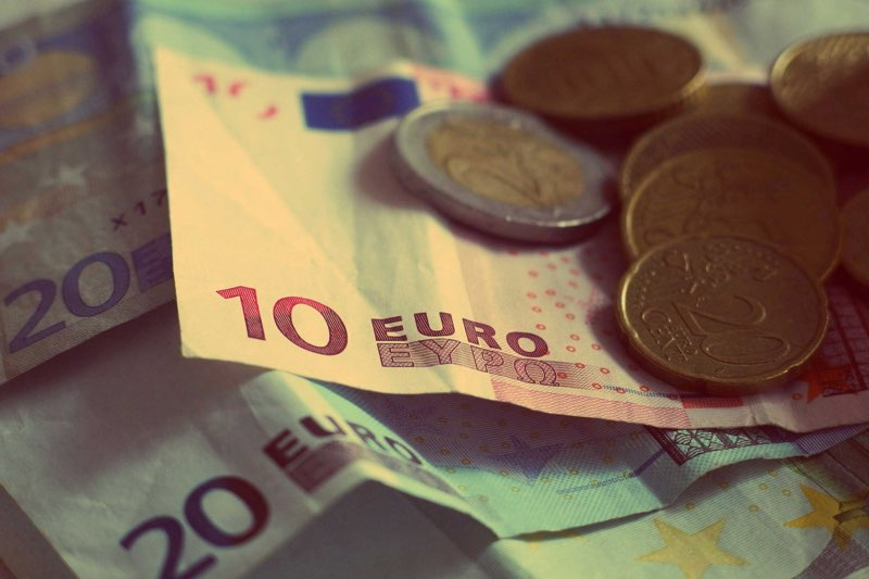 Valuta omrekenen met Spotlight