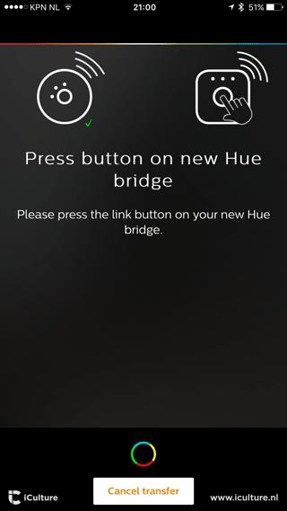 Philips Hue transfer: druk op de knop van de Bridge