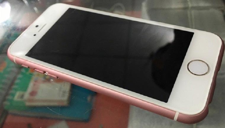 iPhone 5s met rosegouden case.