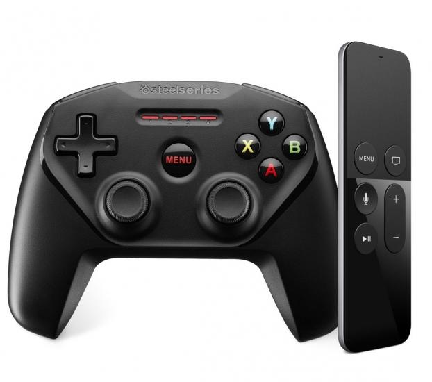 Apple TV Remote met gamecontroler Steelsseries.