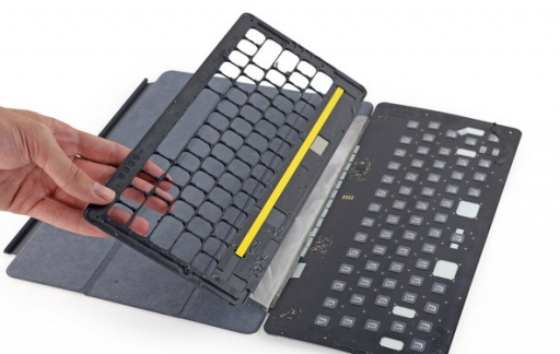 Teardown van Smart Keyboard