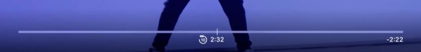 Apple TV vooruit en terug spoelen met stapjes van 10 seconden.