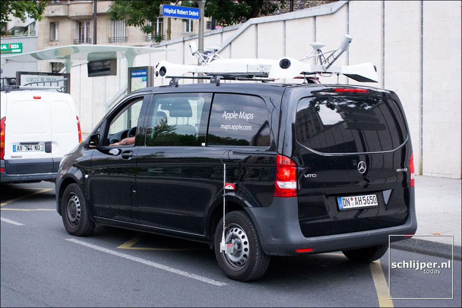 Apple Maps auto in Parijs, via Schlijper