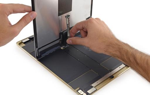 Teardown iPad Pro met scherm.