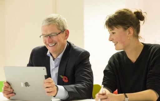 Tim-Cook-iPad-Pro